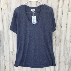 Tops - Trim & tailor NWT v neck tee size large